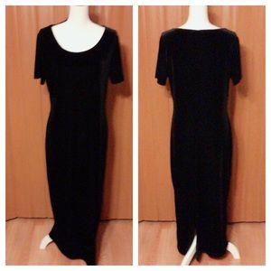 Studio Ease Velvet Black Dress